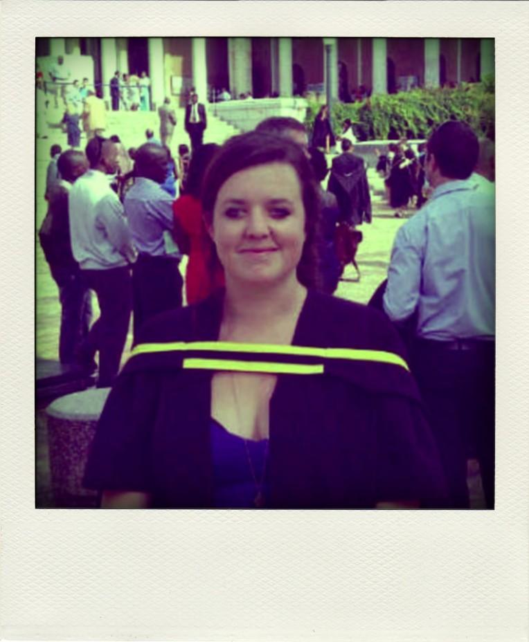 graduation-pola