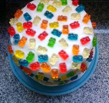 rasberry cupcake, gummy bear cake